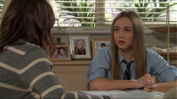 Paige Novak, Piper Willis in Neighbours Episode 7417