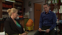 Lucy Robinson, Paul Robinson in Neighbours Episode 7418