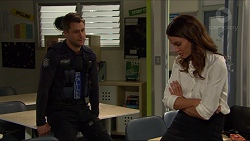 Mark Brennan, Elly Conway in Neighbours Episode 7418