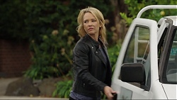 Steph Scully in Neighbours Episode 7419