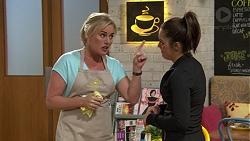 Lauren Turner, Paige Novak in Neighbours Episode 7421