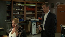 Lucy Robinson, Paul Robinson in Neighbours Episode 7421