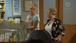 Lauren Turner, Lucy Robinson in Neighbours Episode 7421