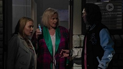 Xanthe Canning, Sheila Canning, Cooper Knights in Neighbours Episode 7424