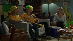 Brad Willis, Toadie Rebecchi, Steph Scully in Neighbours Episode 7428