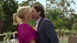 Lauren Turner, Brad Willis in Neighbours Episode 7429