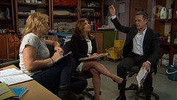 Steph Scully, Terese Willis, Paul Robinson in Neighbours Episode 7431