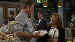 Gary Canning, Terese Willis, Paul Robinson in Neighbours Episode 7431