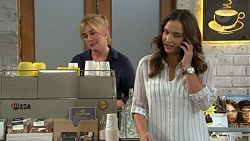 Lauren Turner, Amy Williams in Neighbours Episode 7432