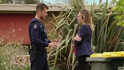 Mark Brennan, Steph Scully in Neighbours Episode 7433