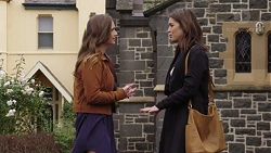 Amy Williams, Paige Novak in Neighbours Episode 7434