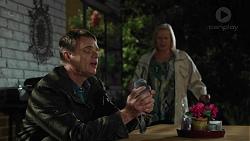 Gary Canning, Sheila Canning in Neighbours Episode 7436
