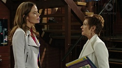 Elly Conway, Susan Kennedy in Neighbours Episode 7436