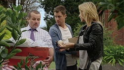 Toadie Rebecchi, Mark Brennan, Steph Scully in Neighbours Episode 7436