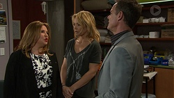 Terese Willis, Steph Scully, Paul Robinson in Neighbours Episode 7439