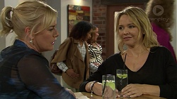 Lauren Turner, Steph Scully in Neighbours Episode 7439