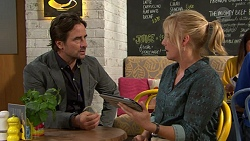 Brad Willis, Lauren Turner in Neighbours Episode 7440