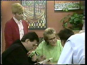 Eileen Clarke, Daphne Clarke, Des Clarke, Mike Young in Neighbours Episode 0315
