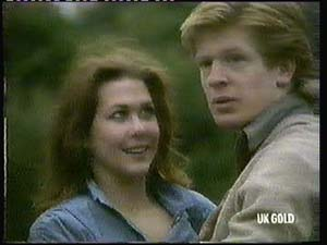 Louise Laurie, Clive Gibbons in Neighbours Episode 0315