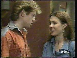 Clive Gibbons, Louise Laurie in Neighbours Episode 0315