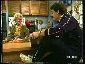 Helen Daniels, Paul Robinson in Neighbours Episode 0318