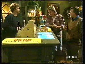 Alex Carter, Shane Ramsay, Tom Ramsay in Neighbours Episode 0318