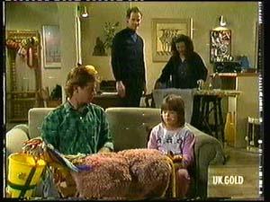 Clive Gibbons, Graham Gibbons, Kate Gibbons, Vicki Gibbons in Neighbours Episode 0318