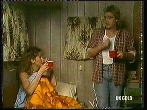 Patty Collins, Shane Ramsay in Neighbours Episode 0318