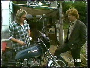 Shane Ramsay, Clive Gibbons in Neighbours Episode 0318