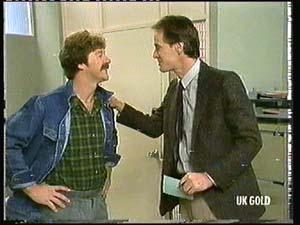 Alex Carter, Graham Gibbons in Neighbours Episode 0318