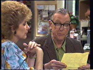 Madge Bishop, Dan Ramsay in Neighbours Episode 0405