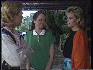 Daphne Clarke, Kelly Morgan, Scott Robinson in Neighbours Episode 0405