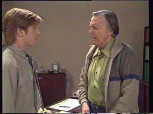 Dan Ramsay, Clive Gibbons in Neighbours Episode 0405
