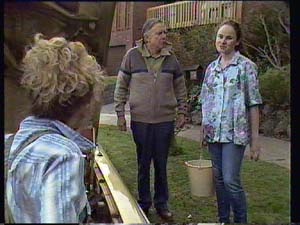 Charlene Mitchell, Dan Ramsay, Kelly Morgan in Neighbours Episode 0405