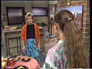 Daphne Clarke, Kelly Morgan in Neighbours Episode 0405