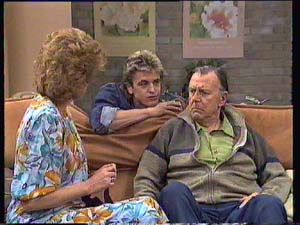 Madge Bishop, Shane Ramsay, Dan Ramsay in Neighbours Episode 0405