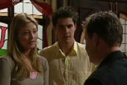 Felicity Scully, Matt Hancock, Winston James in Neighbours Episode 3932