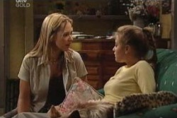 Steph Scully, Felicity Scully in Neighbours Episode 3992