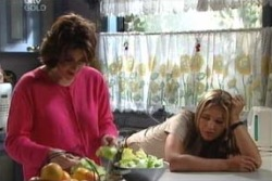 Lyn Scully, Steph Scully in Neighbours Episode 3993