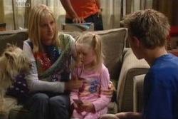 Maggie Hancock, Emily Hancock, Leo Hancock in Neighbours Episode 3994