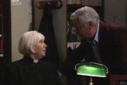 Rosie Hoyland, Lou Carpenter in Neighbours Episode 3995