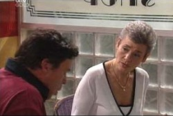 Joe Scully, Chloe Lambert in Neighbours Episode 3997