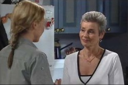 Steph Scully, Chloe Lambert in Neighbours Episode 3997