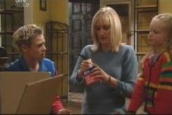 Leo Hancock, Maggie Hancock, Emily Hancock in Neighbours Episode 3999
