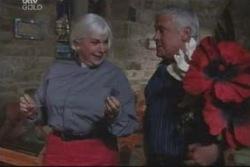 Rosie Hoyland, Lou Carpenter in Neighbours Episode 3999