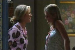 Steph Scully, Felicity Scully in Neighbours Episode 4000