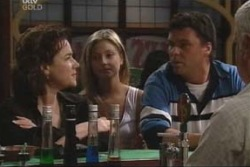 Lyn Scully, Felicity Scully, Joe Scully, Lou Carpenter in Neighbours Episode 4003