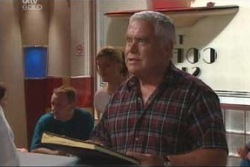 Lou Carpenter in Neighbours Episode 4003