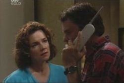 Lyn Scully, Joe Scully in Neighbours Episode 4003