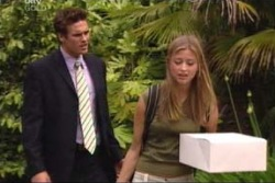 Marc Lambert, Felicity Scully in Neighbours Episode 4004
